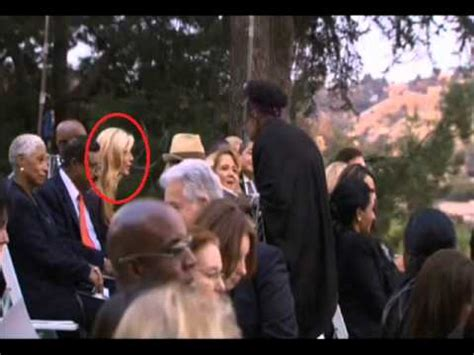 Michael Jackson Disguised On His Own Funeral - AgaClip