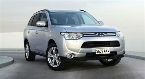 Mitsubishi Outlander updated for 2014 - photos   CarAdvice